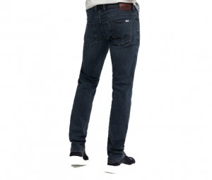 Jeans Mustang Chicago Tapered   1009148-5000-883 *